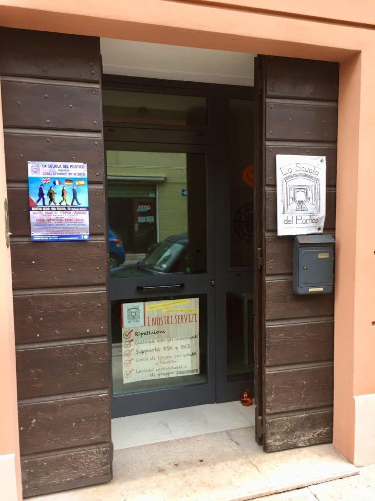 """Corsi, ripetizioni, supporto allo studio a """"La Scuola del portico"""" di Mirandola"""